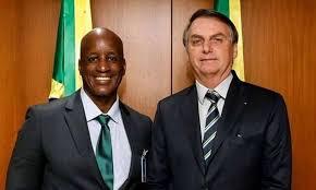 Sergio Camargo, da Fundação Palmares, chega ao Planalto para almoço com  Bolsonaro - A Crítica de Campo Grande