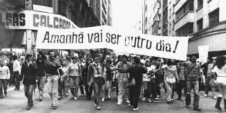 Brasil na encruzilhada: entre 1968 e 1988 - Vermelho