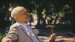 Aventuras na História · Eles passarão, eu passarinho: Há 113 anos, nascia Mario  Quintana